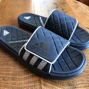 Men's Adidas Slides size 9 black.